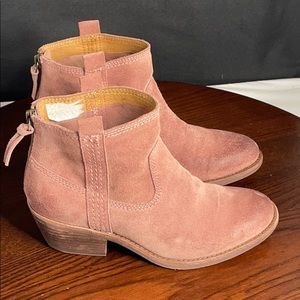 Sofft Booties 6 Pink Suede Women's SAMPLE SHOES